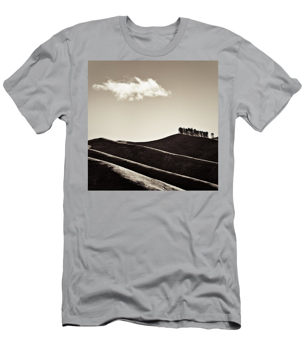 New Zealand Men's T-Shirt (Athletic Fit) featuring the photograph Solitary Cloud by Dave Bowman