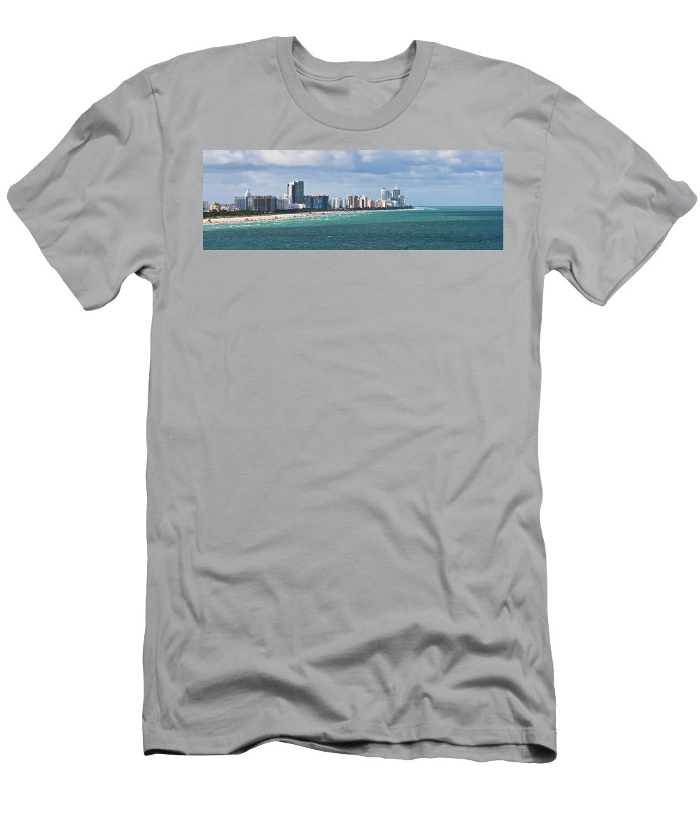 Architecture Men's T-Shirt (Athletic Fit) featuring the photograph South Beach On A Summer Day by Ed Gleichman