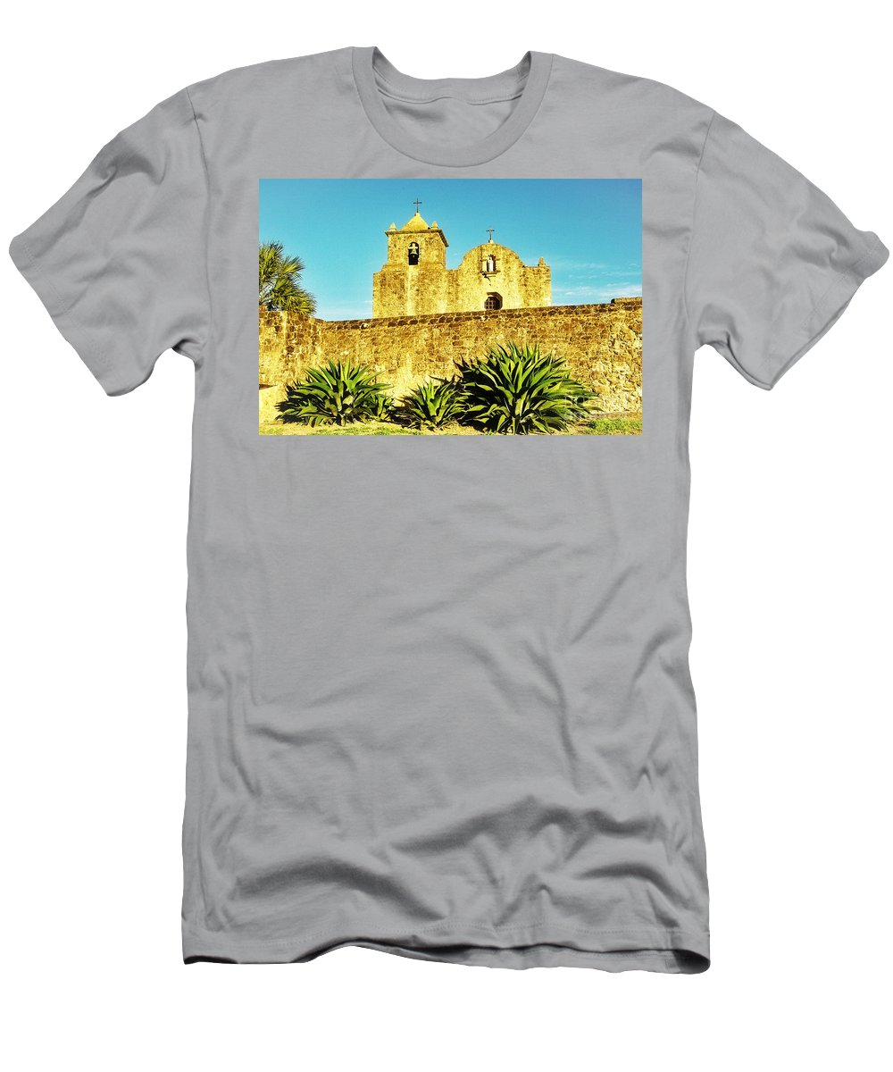 Historic Men's T-Shirt (Athletic Fit) featuring the photograph Summer Mission by Gary Richards
