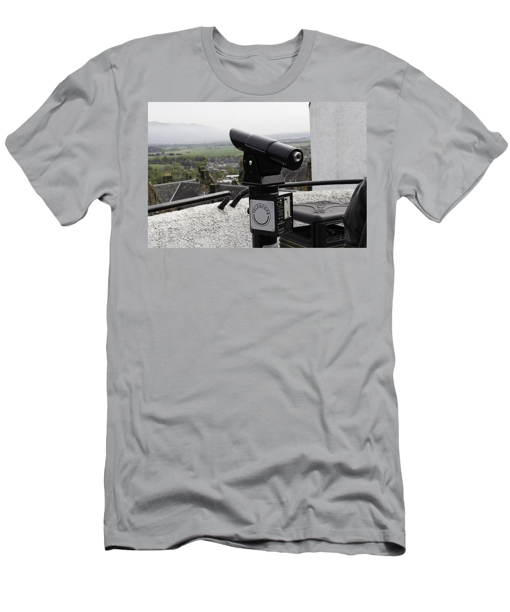 Action Men's T-Shirt (Athletic Fit) featuring the photograph Telescope Near The Entrance Of Stirling Castle by Ashish Agarwal