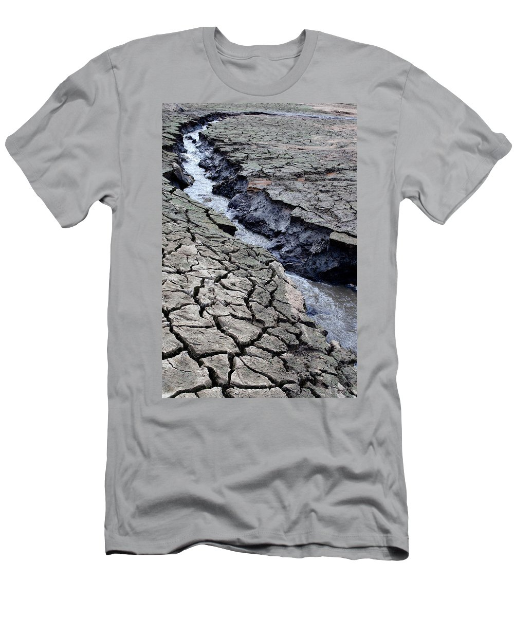 Water Men's T-Shirt (Athletic Fit) featuring the photograph The Crack Of All Cracks by Teri Schuster