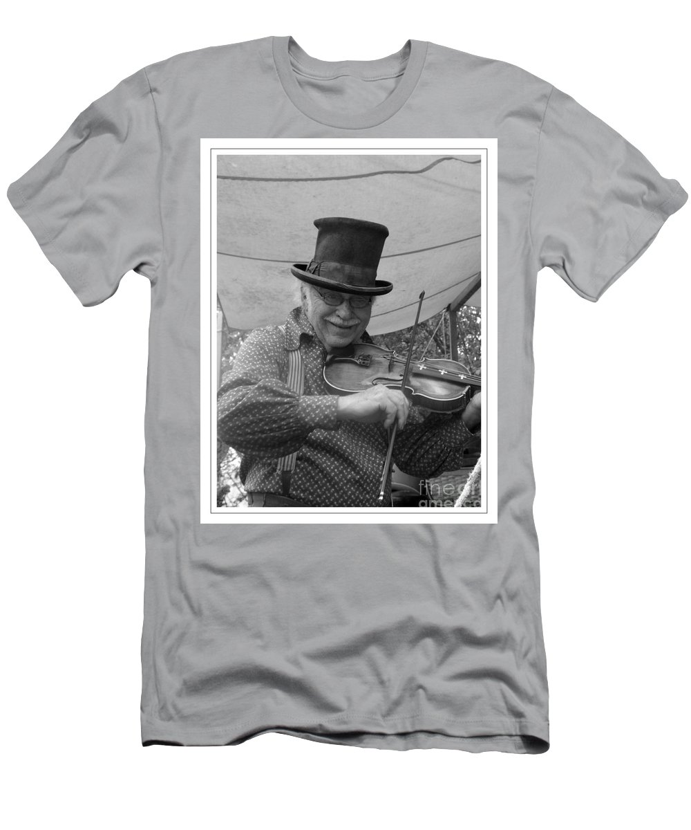 Fiddler Men's T-Shirt (Athletic Fit) featuring the photograph The Fiddler by Sara Raber