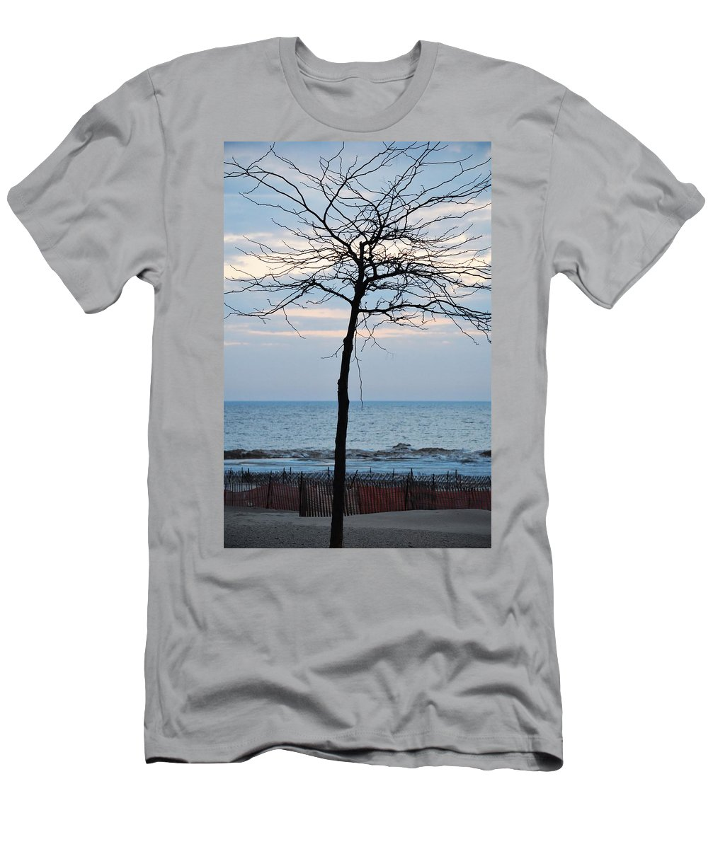 Lake Michigan Men's T-Shirt (Athletic Fit) featuring the photograph Tree On Beach by Linda Kerkau