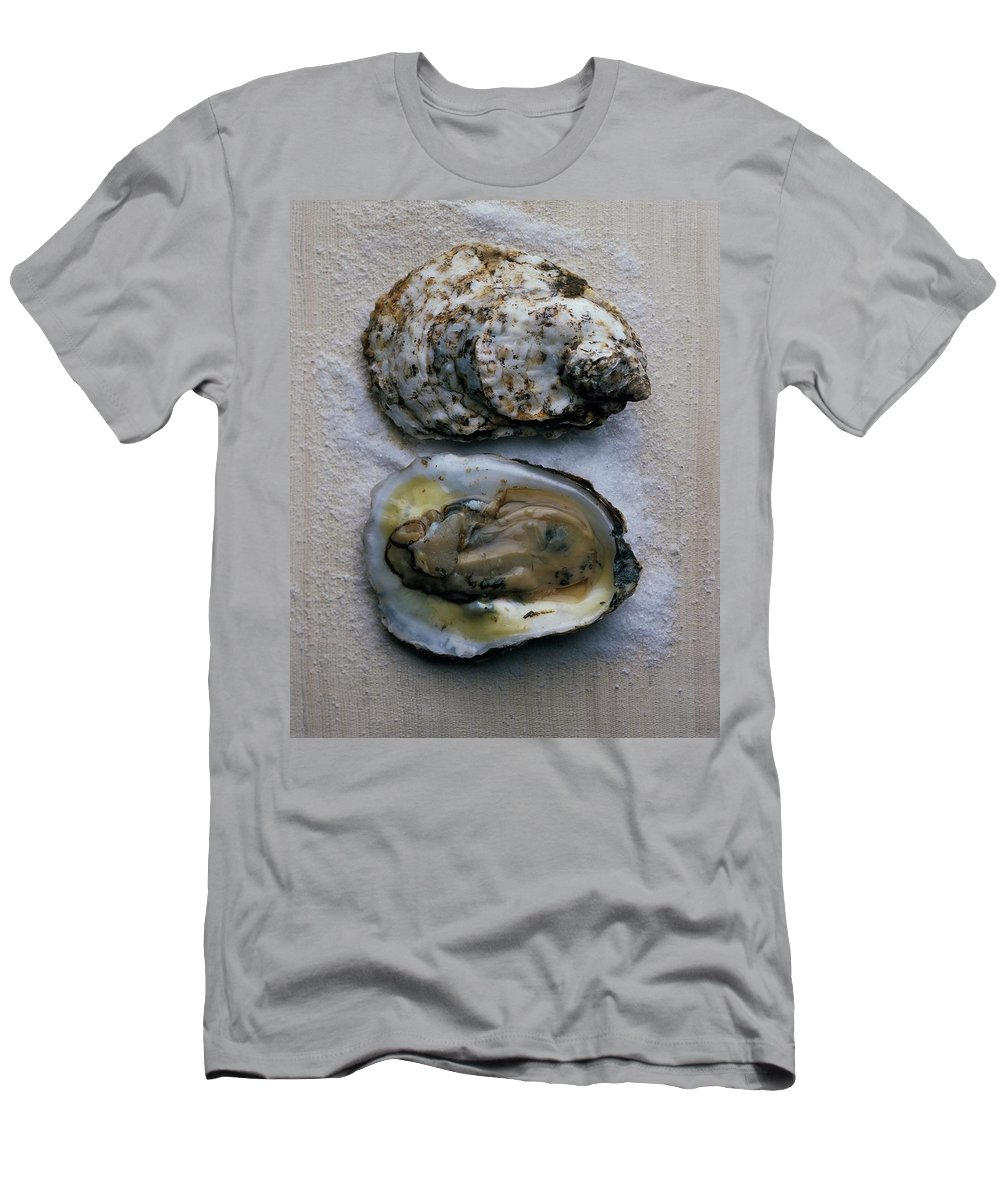 Cooking Men's T-Shirt (Athletic Fit) featuring the photograph Two Oysters by Romulo Yanes