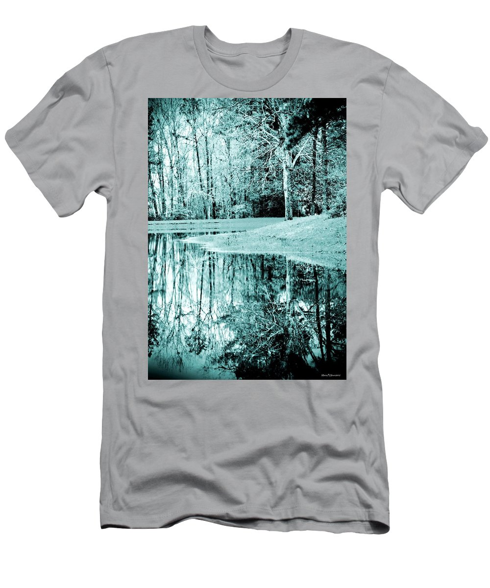 Winter's First Snowfall Men's T-Shirt (Athletic Fit) featuring the photograph Winter's First Snowfall by Maria Urso