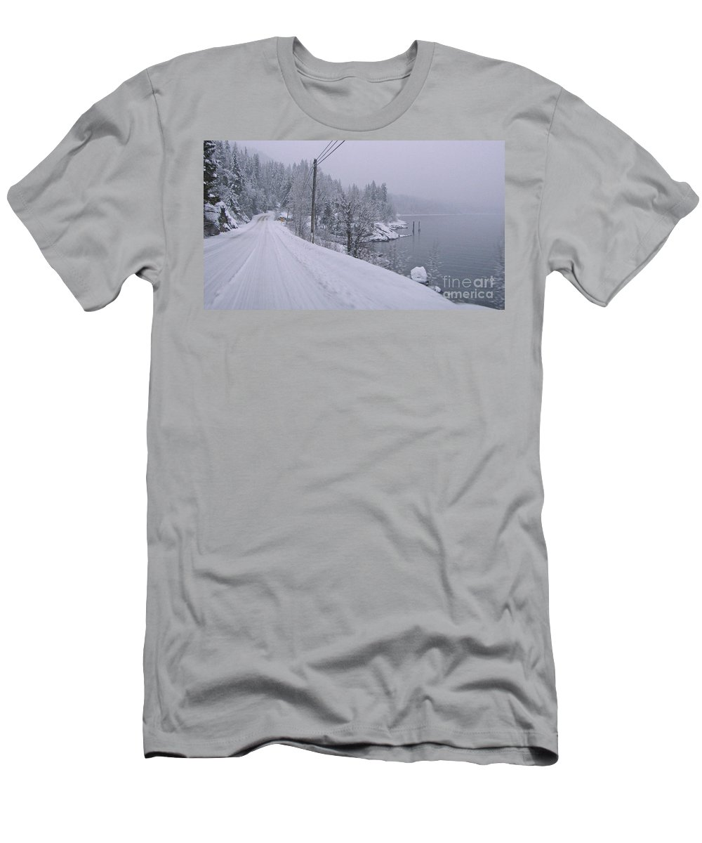 Kootenay Men's T-Shirt (Athletic Fit) featuring the photograph Wintery Road by Leone Lund