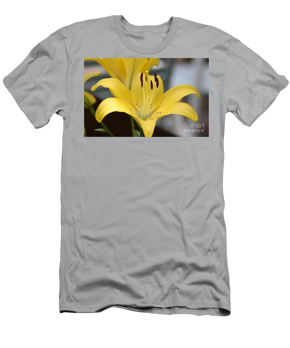 Yellow Men's T-Shirt (Athletic Fit) featuring the photograph Yellow Lilly by Lori Tordsen