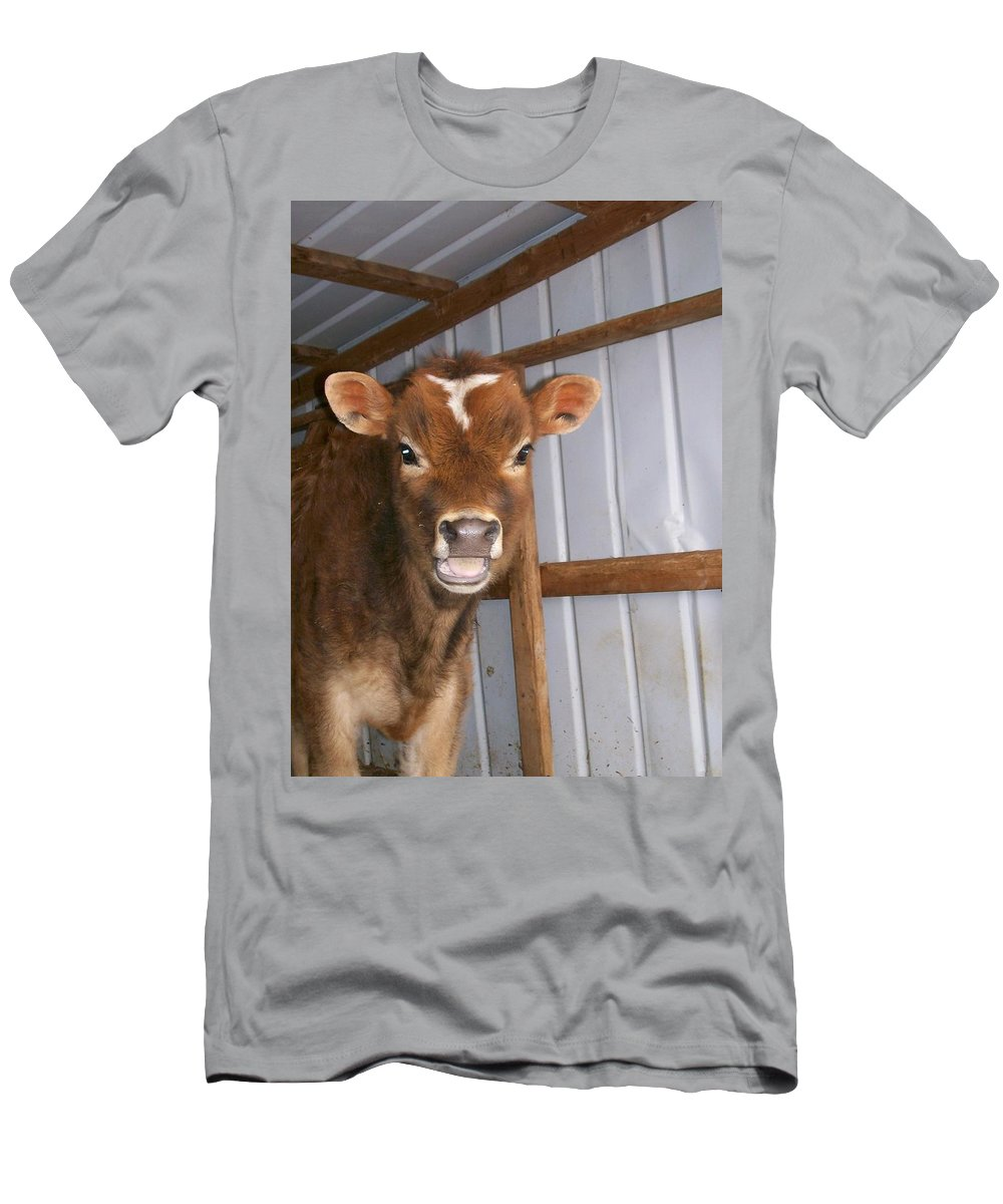 Cow Men's T-Shirt (Athletic Fit) featuring the photograph Yes I'm Talking To You by Sara Raber