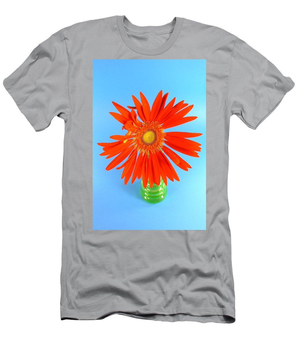 Gerbera Photographs Men's T-Shirt (Athletic Fit) featuring the photograph 2279c2-001 by Kimberlie Gerner
