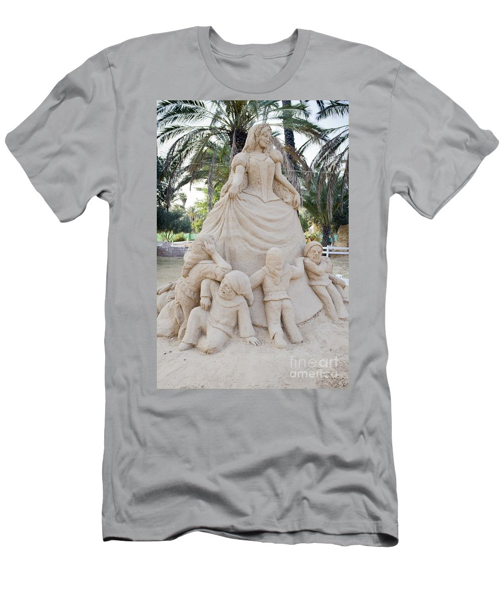 Snow White And The Seven Dwarves Men's T-Shirt (Athletic Fit) featuring the photograph Fairytale Sand Sculpture by Sv