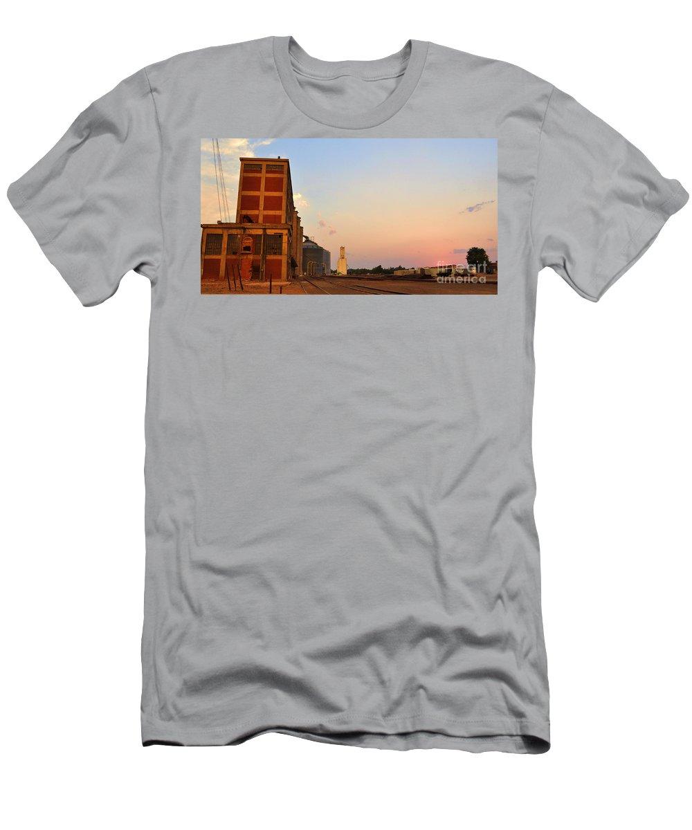 Alva Men's T-Shirt (Athletic Fit) featuring the photograph Alva by Anjanette Douglas