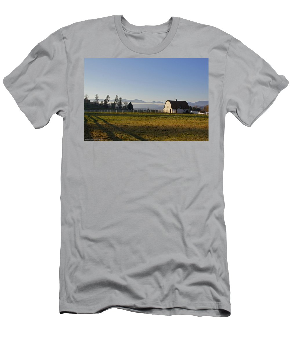 Barn Men's T-Shirt (Athletic Fit) featuring the photograph Classic Barn In The Country by Mick Anderson