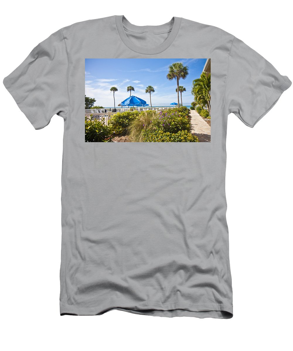 Florida Men's T-Shirt (Athletic Fit) featuring the photograph Florida by Betsy Knapp