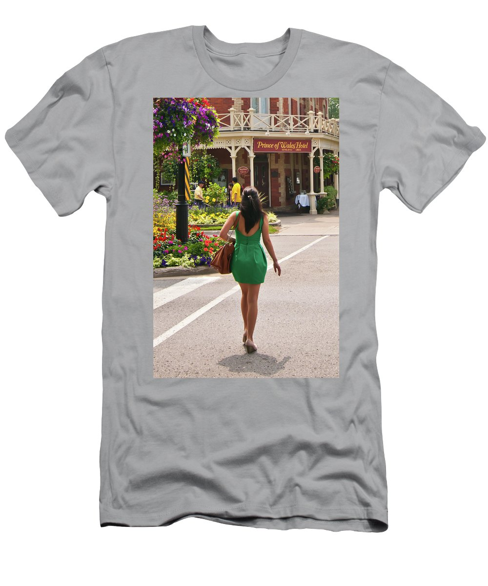 Street Men's T-Shirt (Athletic Fit) featuring the photograph Going To The Prince by Guy Whiteley