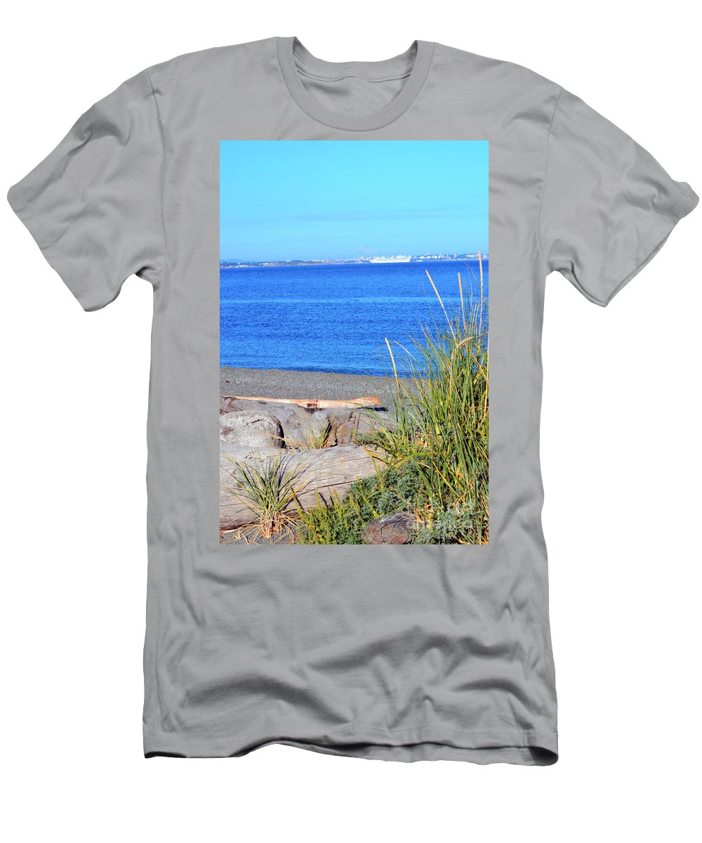 British Columbia Men's T-Shirt (Athletic Fit) featuring the photograph Lagoon 2 by Traci Cottingham