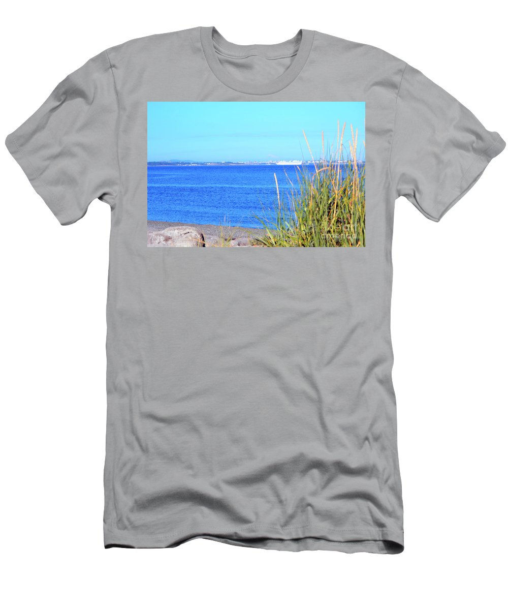 British Columbia Men's T-Shirt (Athletic Fit) featuring the photograph Lagoon by Traci Cottingham