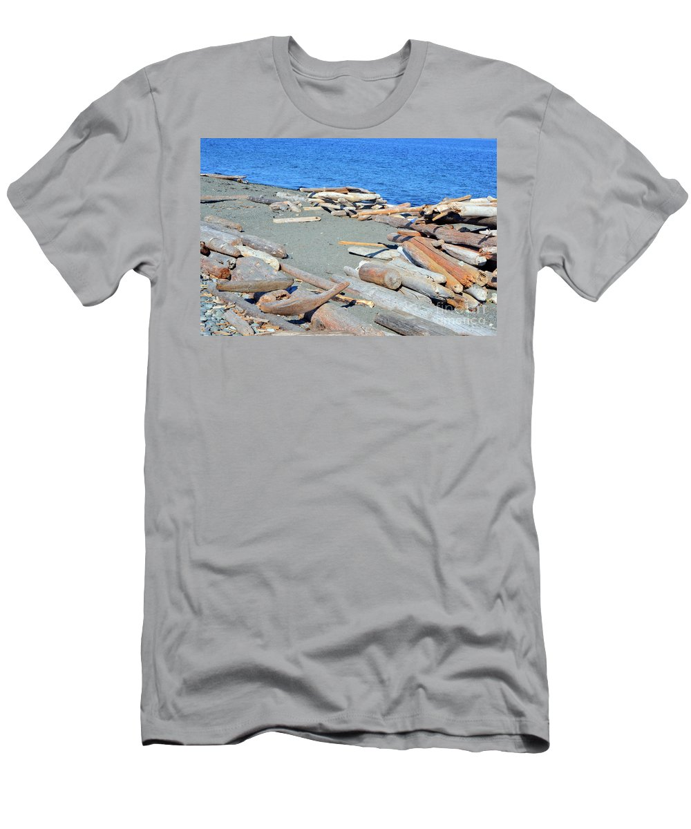 British Columbia Men's T-Shirt (Athletic Fit) featuring the photograph Logged Out by Traci Cottingham