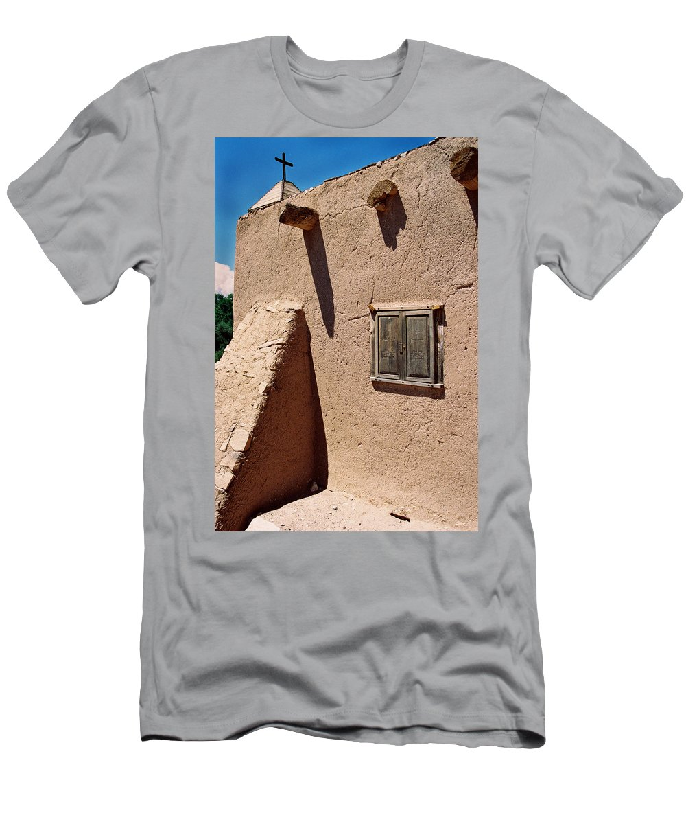 Men's T-Shirt (Athletic Fit) featuring the photograph Morada Window by Ron Weathers
