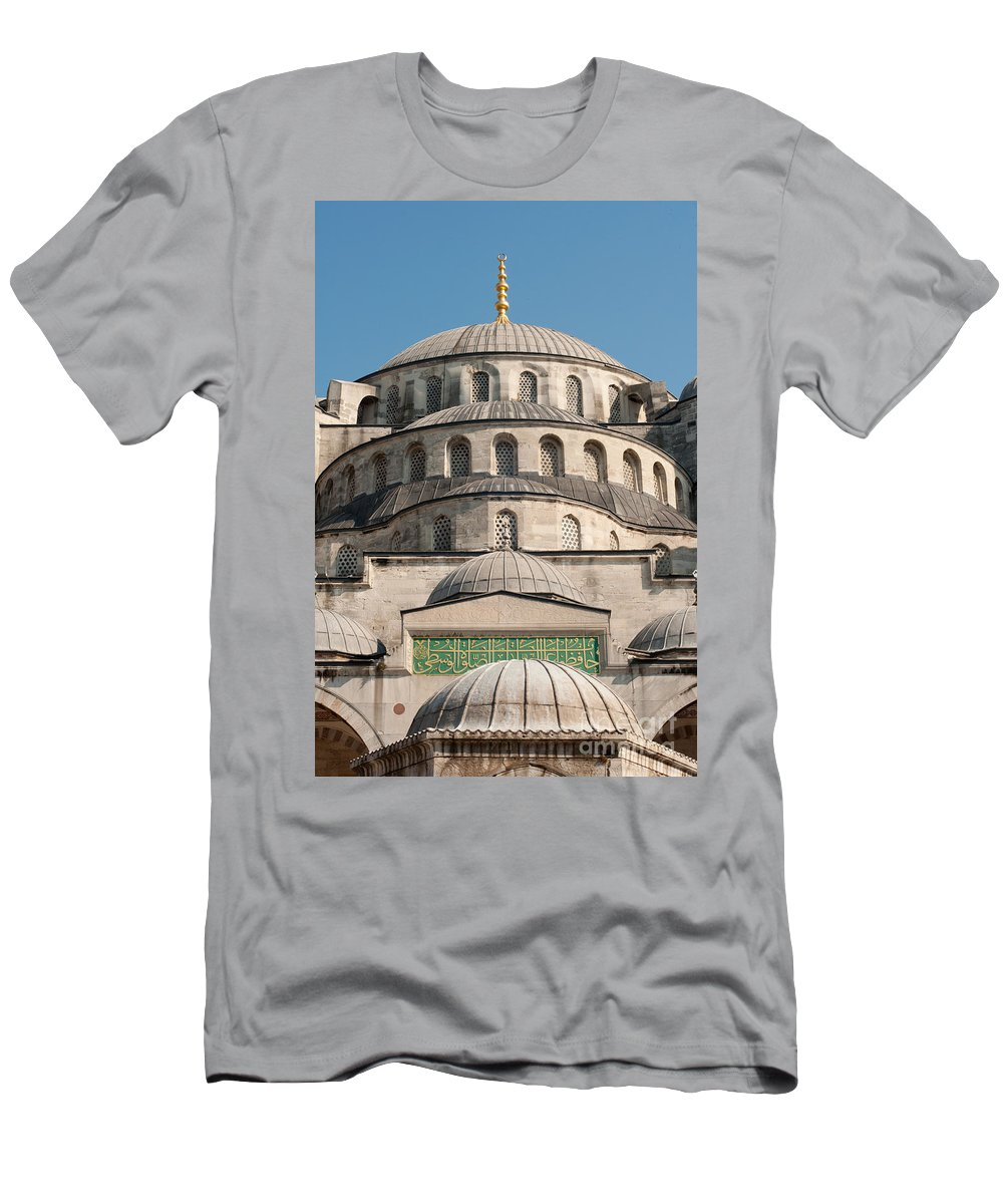 Building Men's T-Shirt (Athletic Fit) featuring the photograph Mosque by Andrew Michael