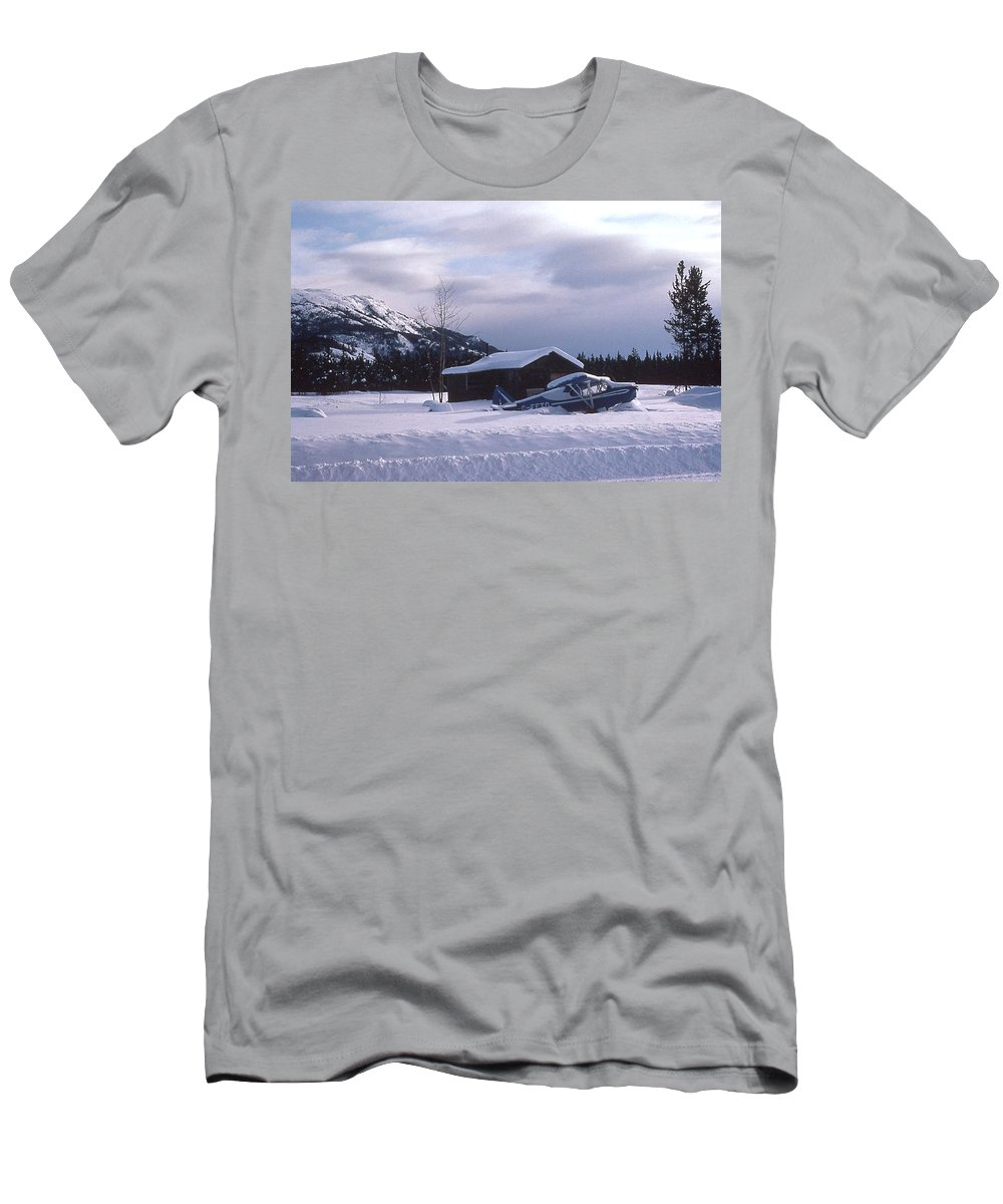Airplanes Men's T-Shirt (Athletic Fit) featuring the photograph Anyone Got A Shovel? by Mark Alan Perry