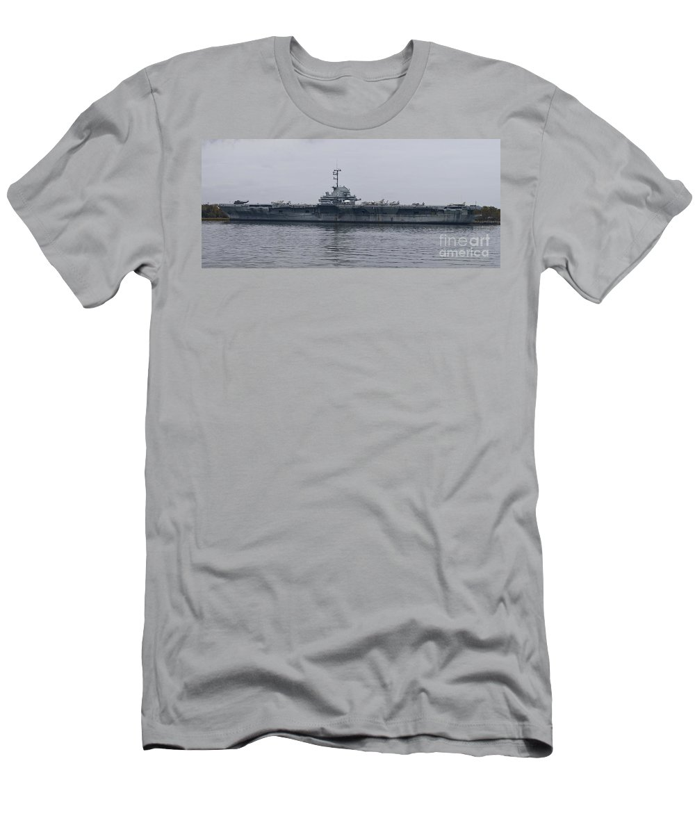 Yorktown Men's T-Shirt (Athletic Fit) featuring the photograph Uss Yorktown by Tim Mulina