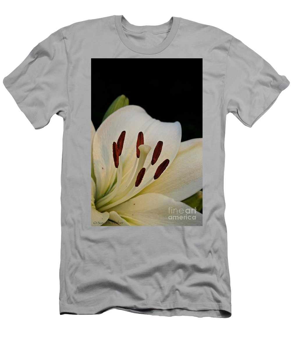 Outdoors Men's T-Shirt (Athletic Fit) featuring the photograph Vanilla Lily by Susan Herber