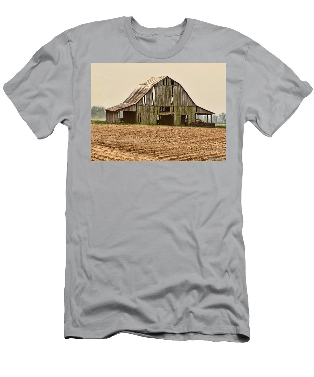 Arcitecture Men's T-Shirt (Athletic Fit) featuring the photograph Vanishing American Icon by Debbie Portwood