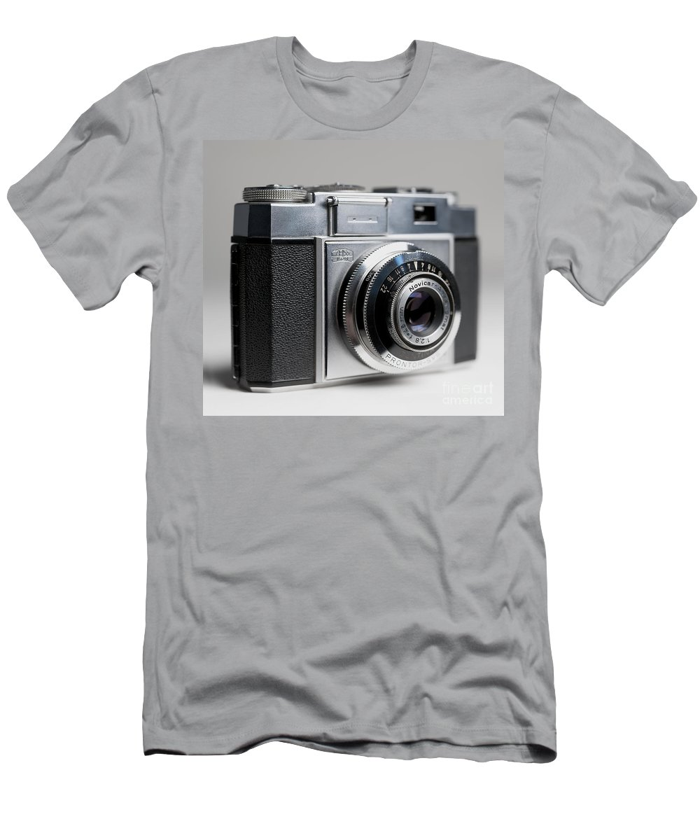 Zeiss Ikon Men's T-Shirt (Athletic Fit) featuring the photograph Zeiss Contina by Art Whitton