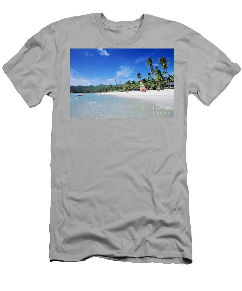 Beach Men's T-Shirt (Athletic Fit) featuring the photograph Chaweng Beach by William Waterfall - Printscapes