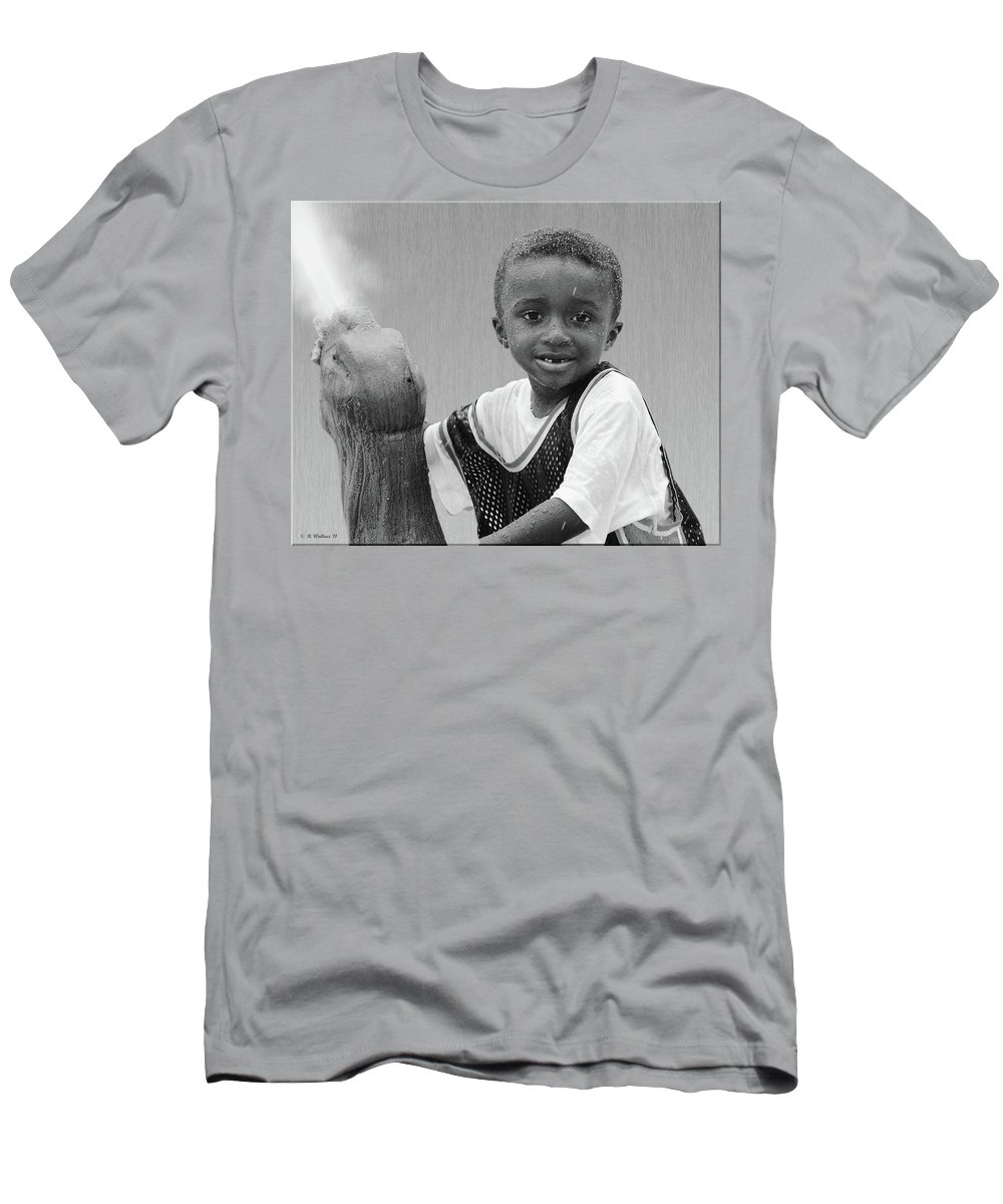 2d Men's T-Shirt (Athletic Fit) featuring the photograph Philly Fountain Kid by Brian Wallace