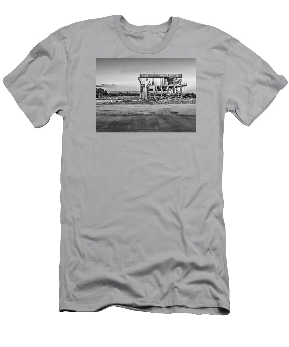 Ashby De La Zouch Men's T-Shirt (Athletic Fit) featuring the photograph Seen Better Days by Nick Bywater