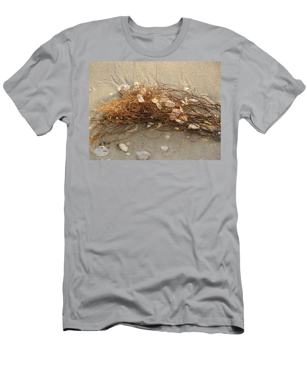 Seaweed Men's T-Shirt (Athletic Fit) featuring the photograph Shells In Seaweed by Alice Markham