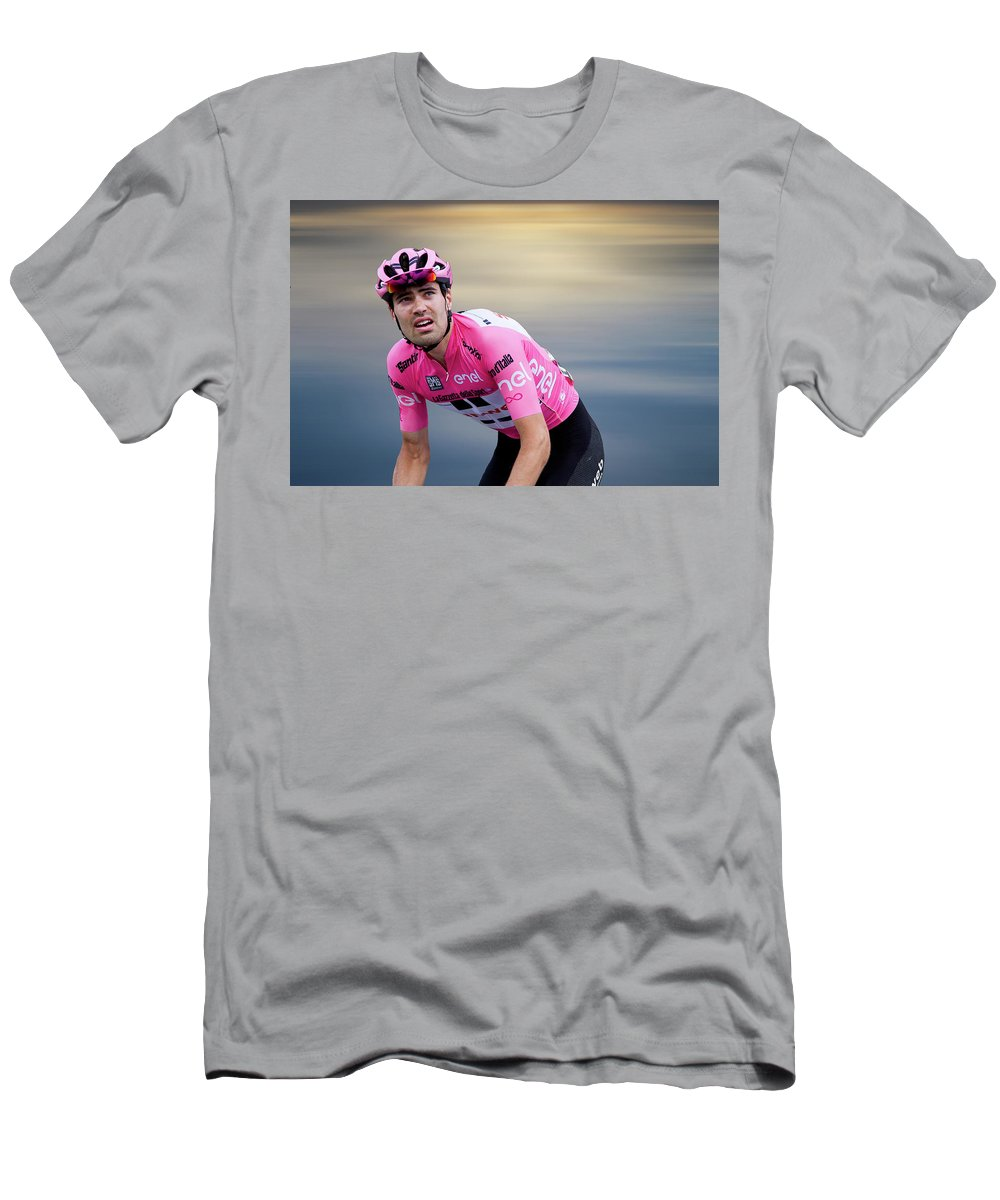 Tom Dumoulin Men's T-Shirt (Athletic Fit) featuring the photograph Tom Dumoulin 2 by Smart Aviation