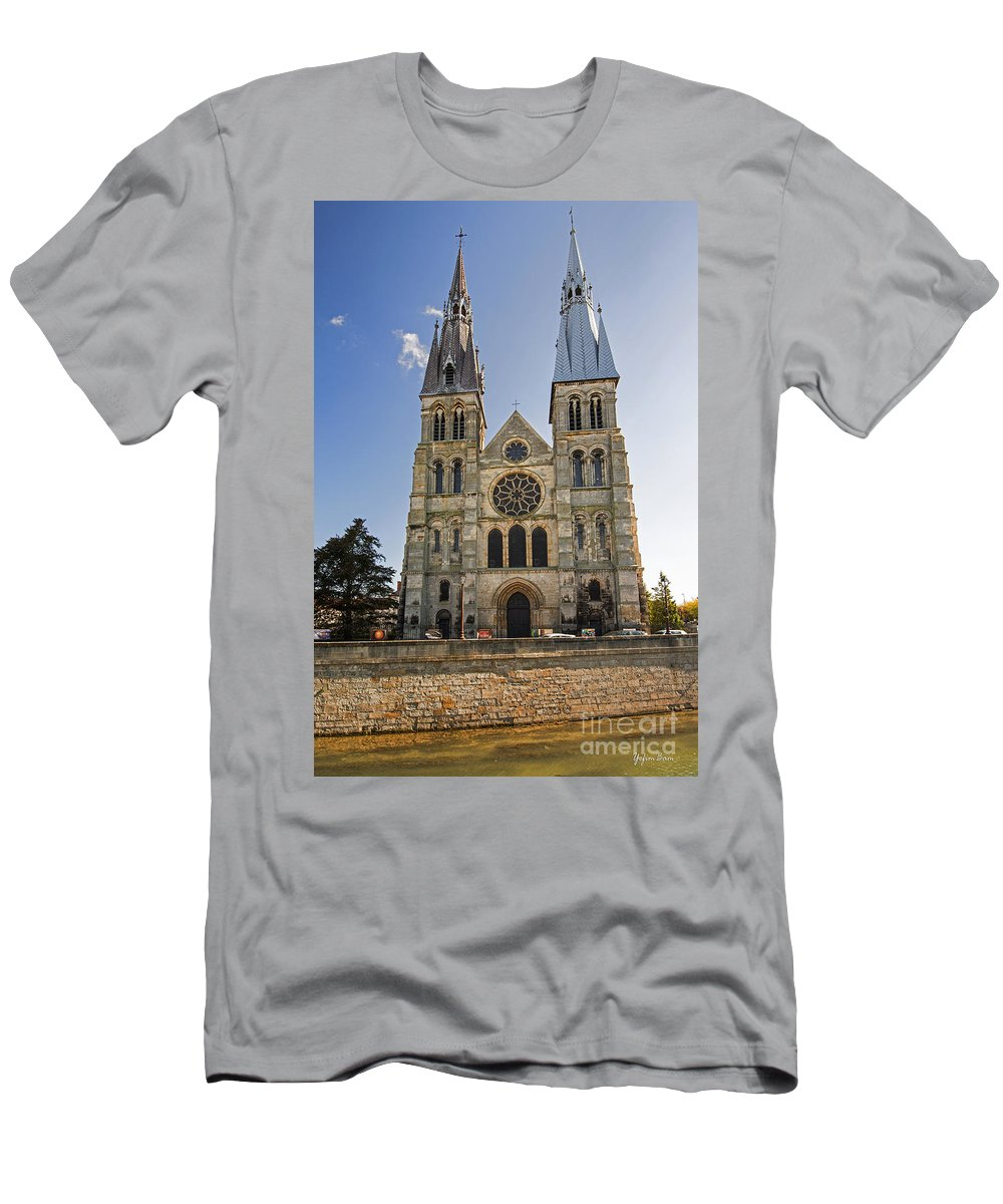 Eglise Notre-dame-en-vaux Men's T-Shirt (Athletic Fit) featuring the photograph Eglise Notre - Dame En Vaux by Yefim Bam
