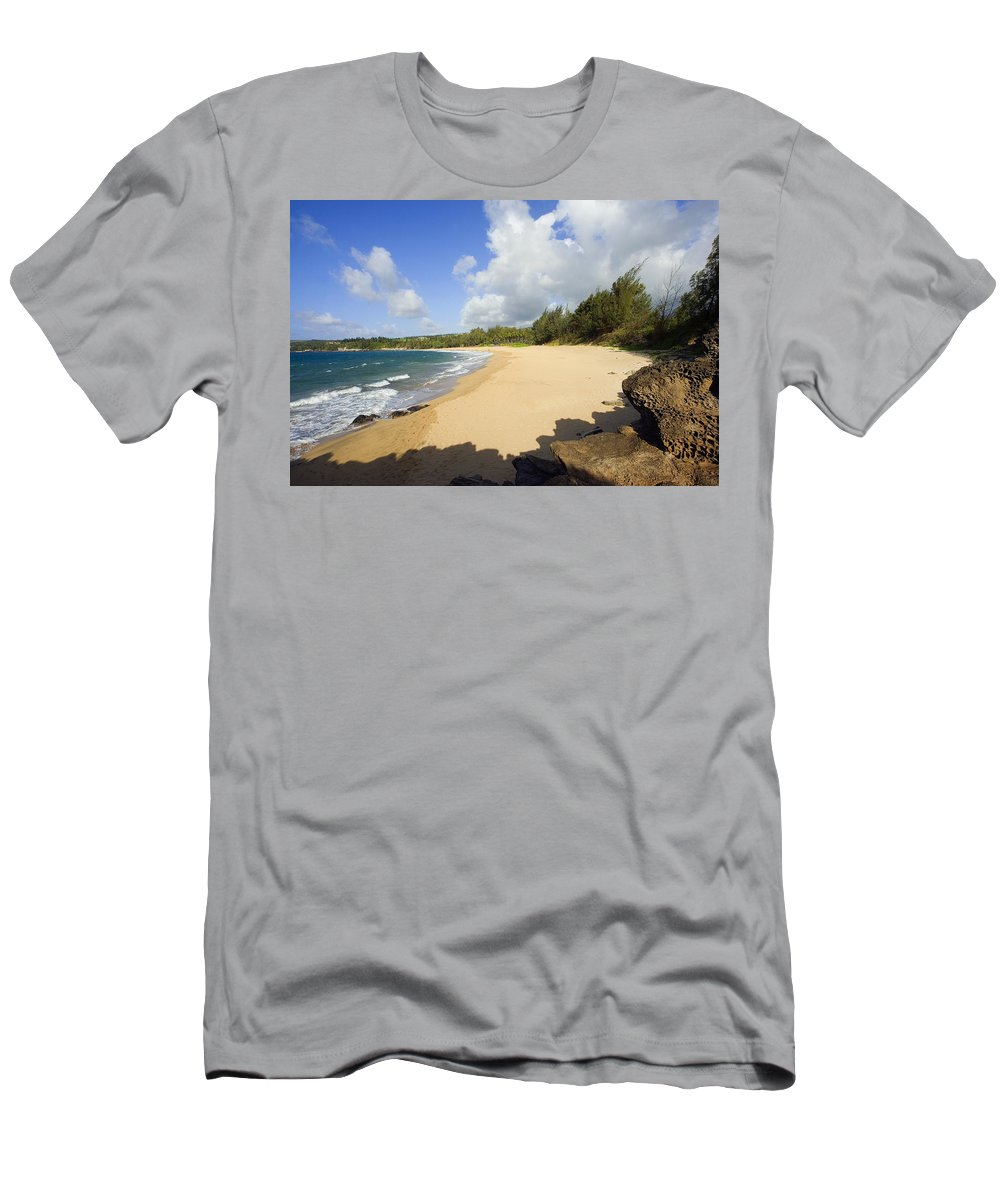 Beach Men's T-Shirt (Athletic Fit) featuring the photograph Fleming Beach by Ron Dahlquist - Printscapes