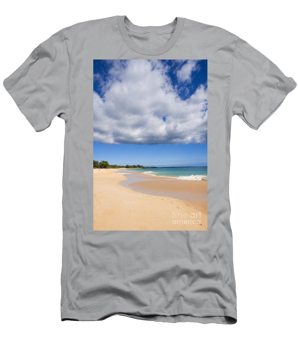 Afternoon Men's T-Shirt (Athletic Fit) featuring the photograph Makena Beach by Ron Dahlquist - Printscapes