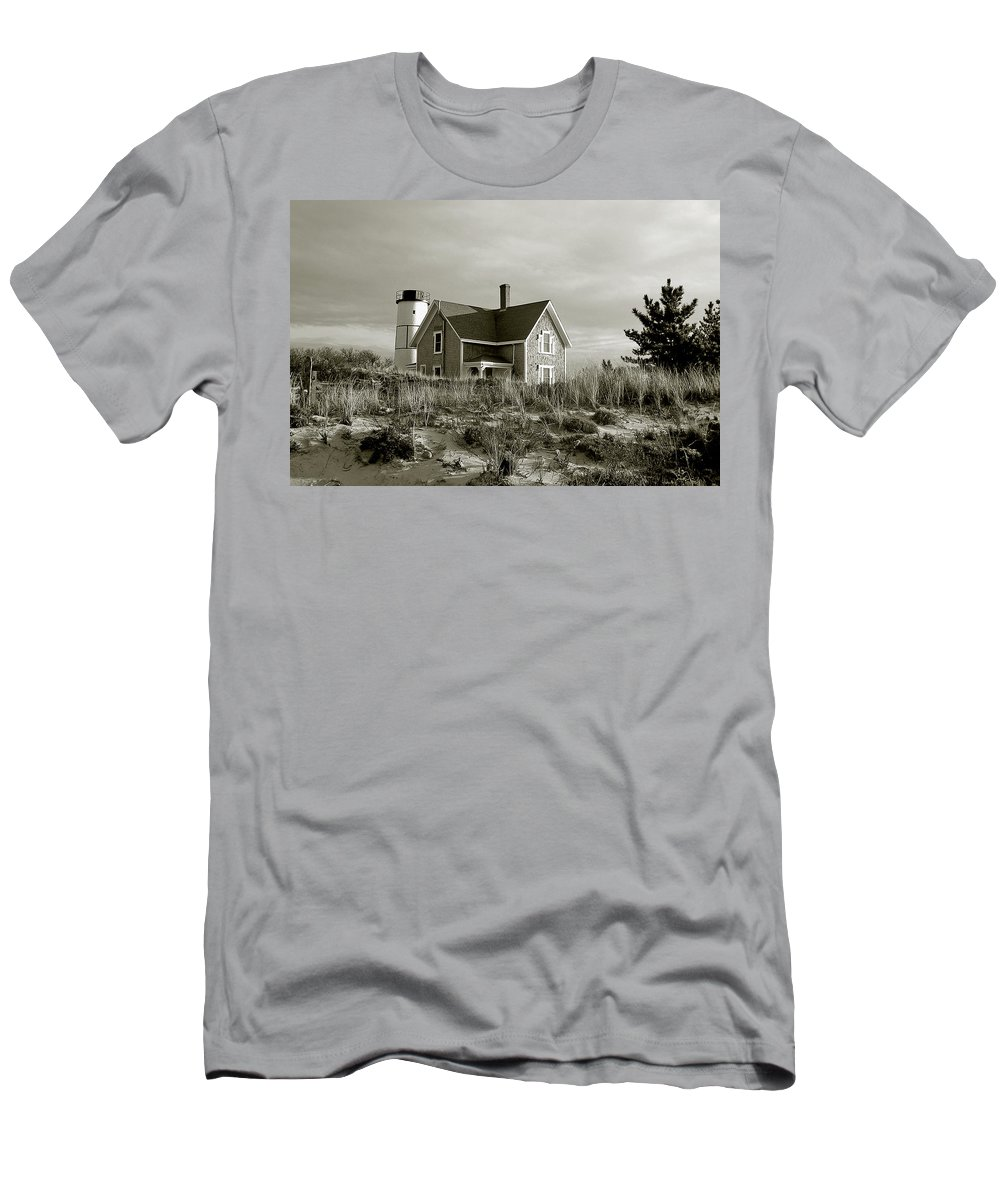 Sandy Neck Men's T-Shirt (Athletic Fit) featuring the photograph Sandy Neck Lighthouse by Charles Harden