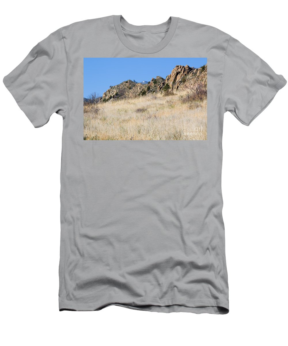 Red Rock Men's T-Shirt (Athletic Fit) featuring the photograph Red Rock Canyon Open Space Park by Steve Krull
