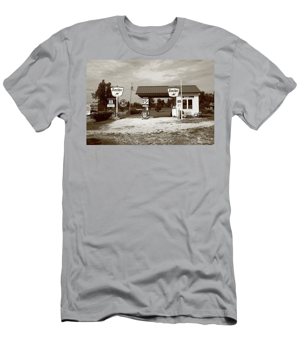 66 Men's T-Shirt (Athletic Fit) featuring the photograph Route 66 Sinclair Station by Frank Romeo