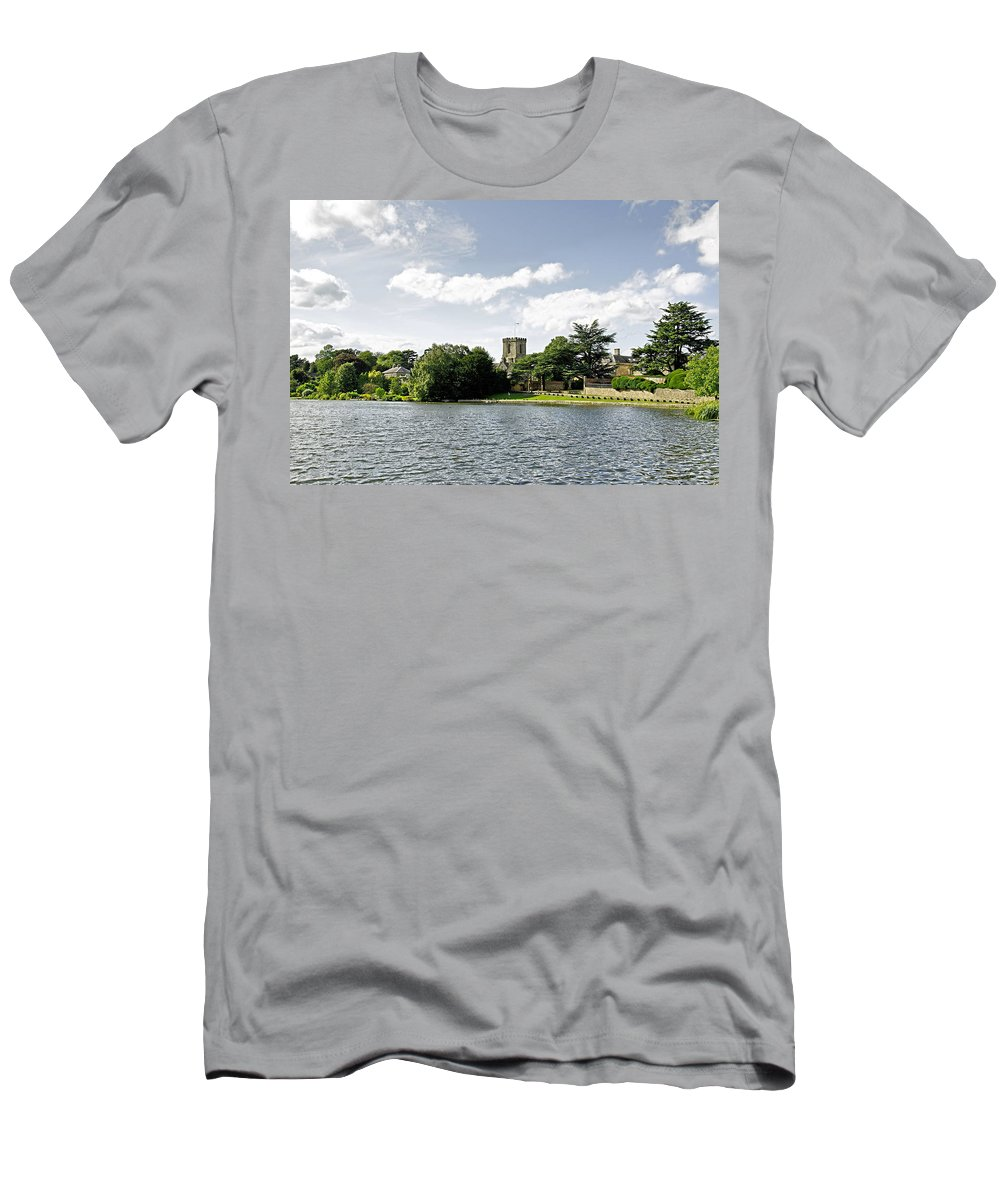 Melbourne Men's T-Shirt (Athletic Fit) featuring the photograph Across The Pool At Melbourne Hall by Rod Johnson