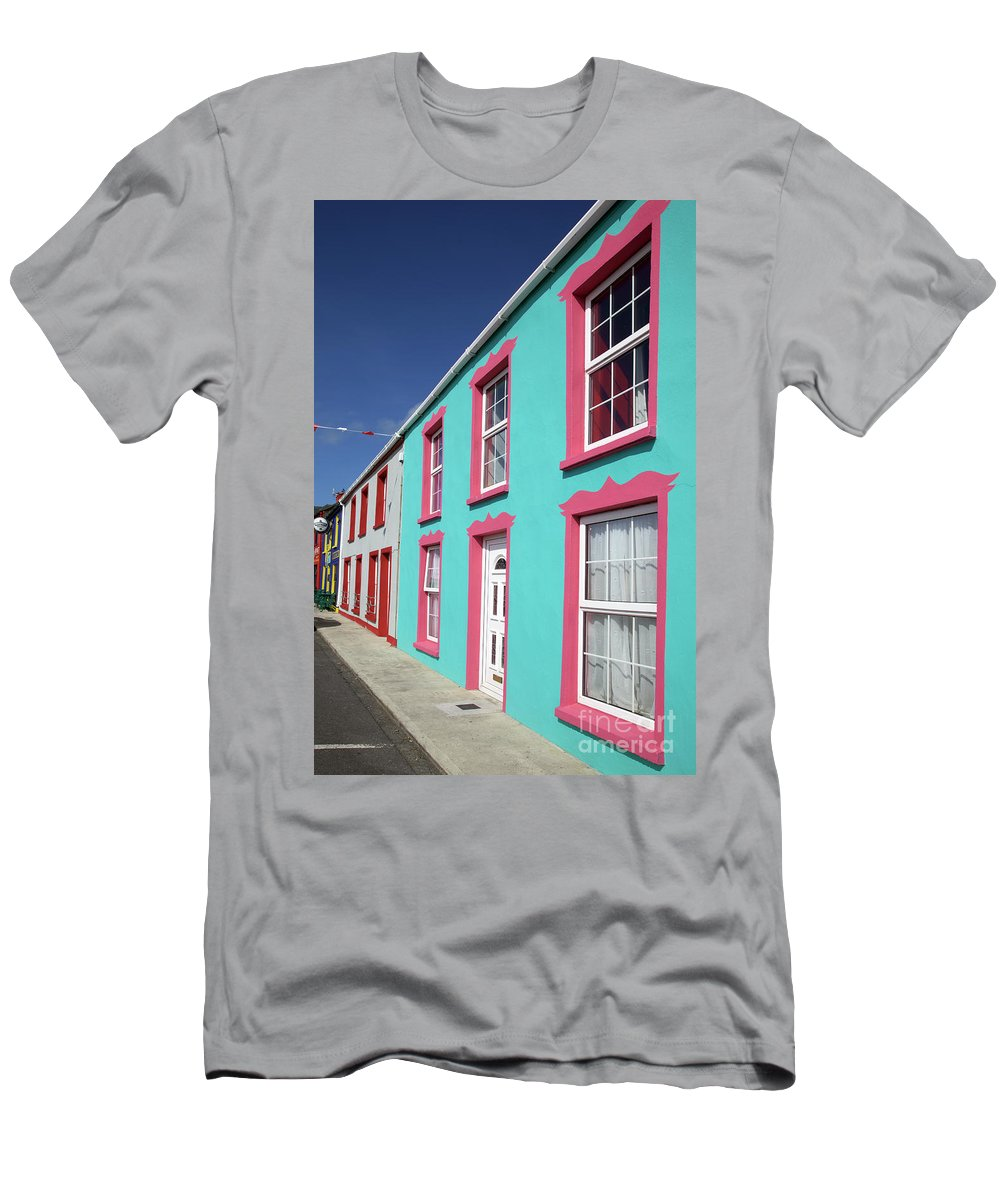 Allihies Men's T-Shirt (Athletic Fit) featuring the photograph Allihies Streetscape West Cork by Ros Drinkwater