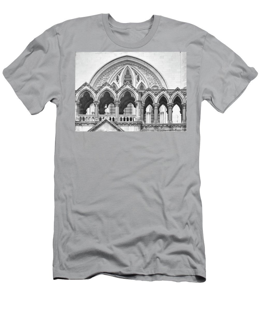 London Men's T-Shirt (Athletic Fit) featuring the photograph Arches Over The Court by Shirley Mitchell