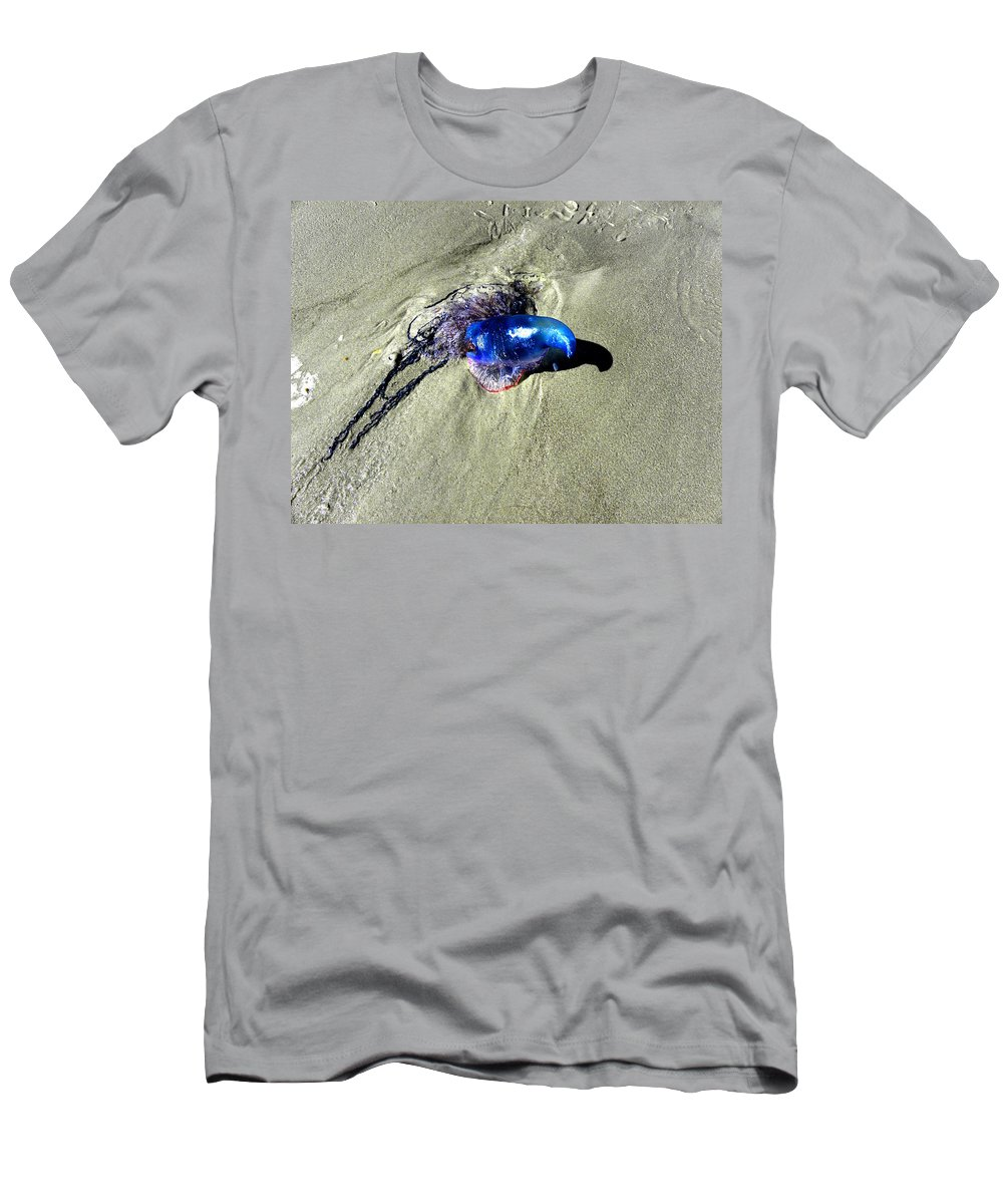Daytona Men's T-Shirt (Athletic Fit) featuring the photograph Beached Jellyfish 001 by Chris Mercer