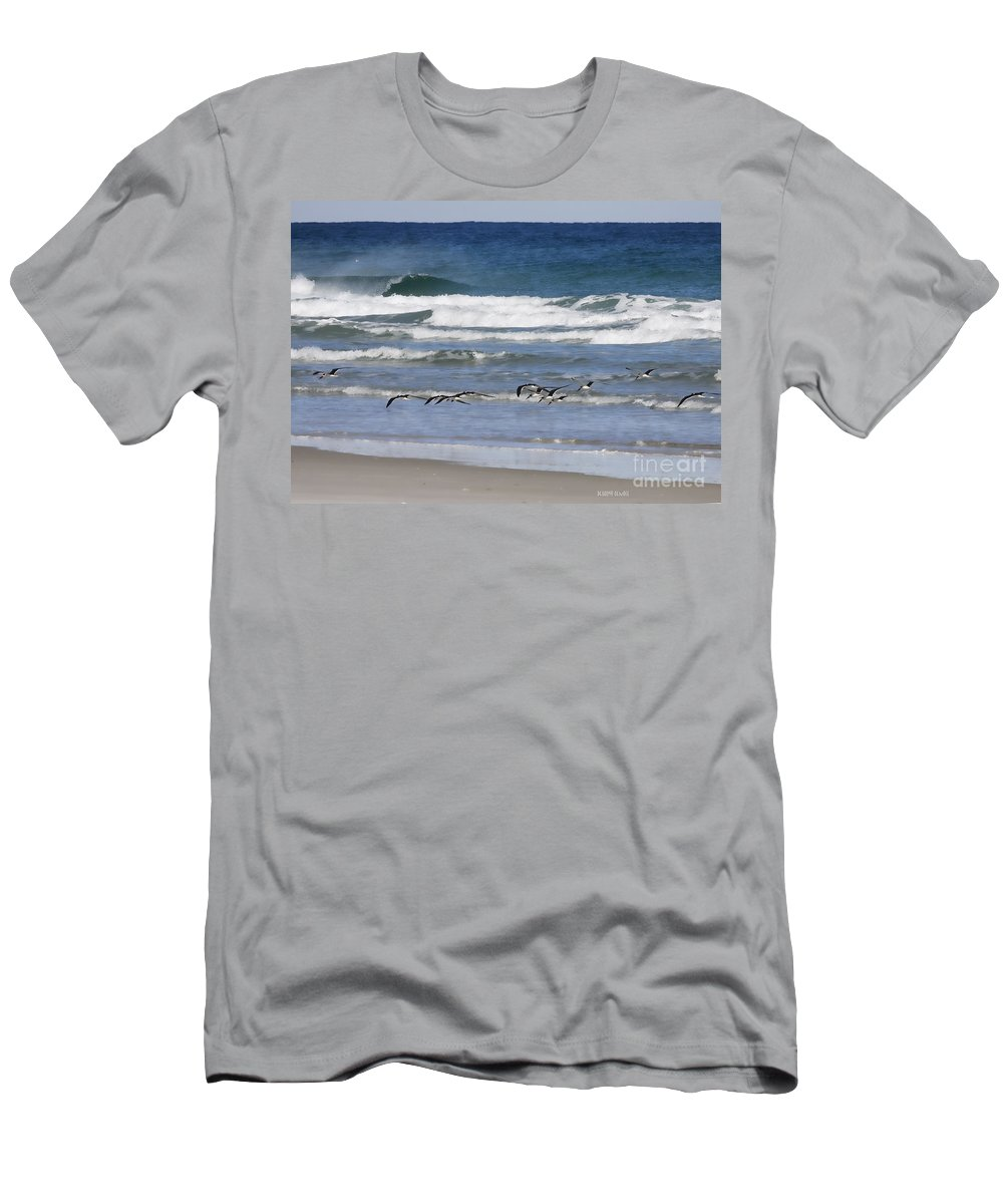 Black Men's T-Shirt (Athletic Fit) featuring the photograph Black Skimmers In Ponce by Deborah Benoit