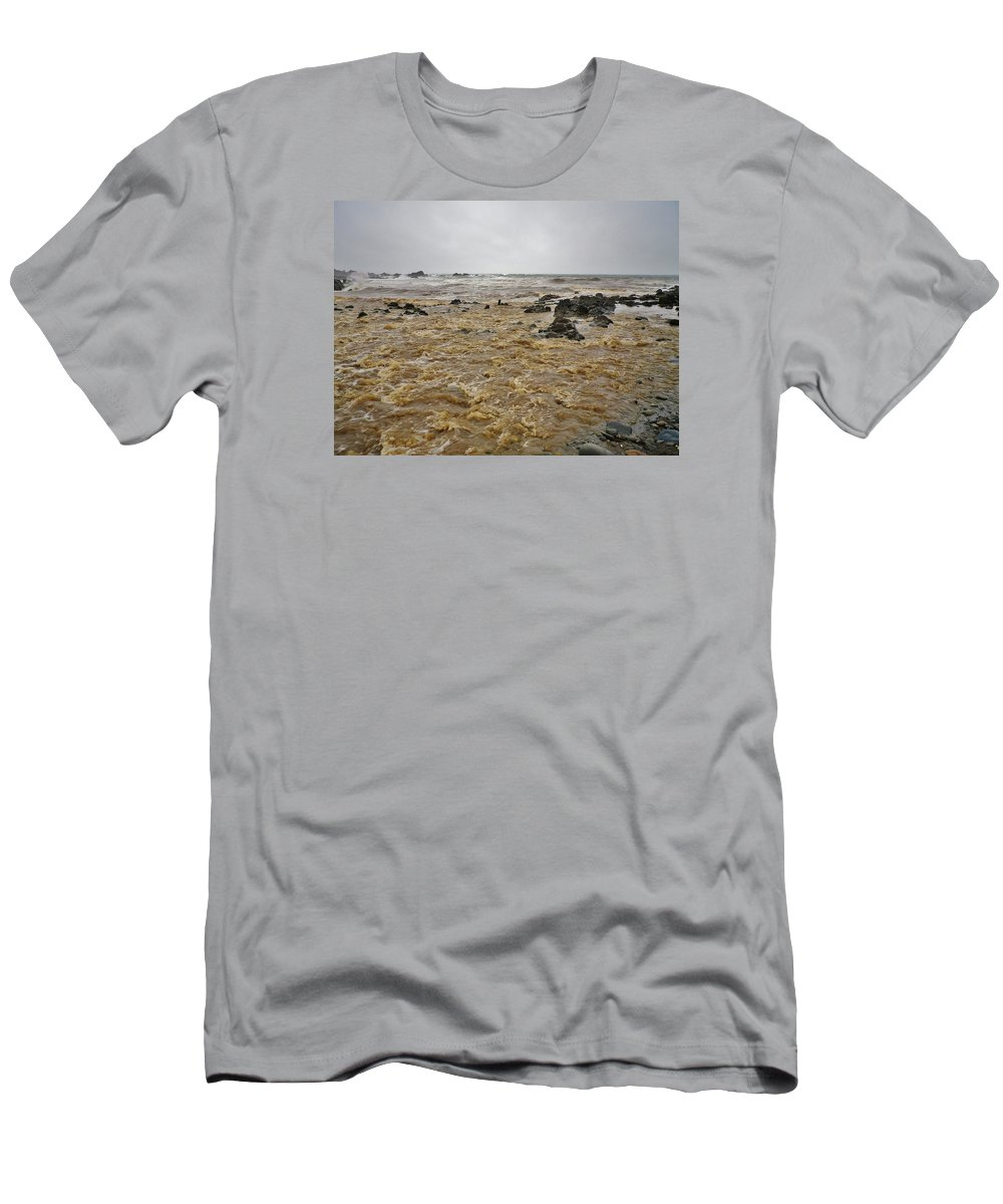 Water Men's T-Shirt (Athletic Fit) featuring the photograph Boiling Waters by Richard Brookes