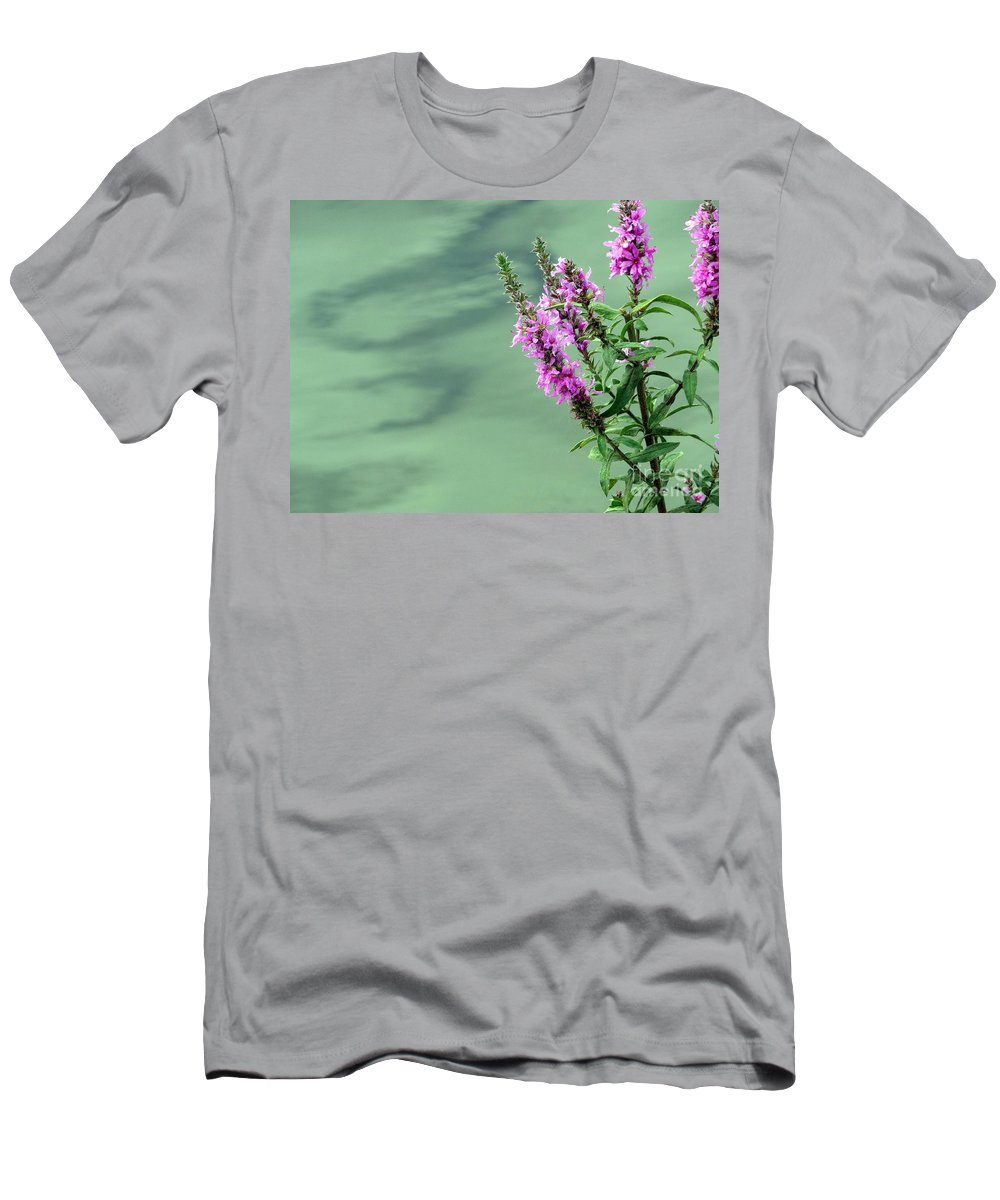 Flower Men's T-Shirt (Athletic Fit) featuring the photograph Calm by Jo Hoden