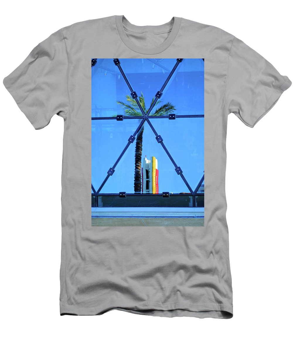 Palm Men's T-Shirt (Athletic Fit) featuring the photograph Center Of The Palm by Jost Houk