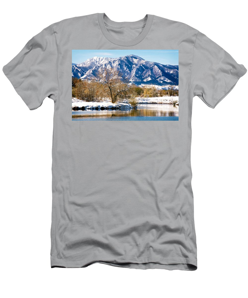 Colorado Men's T-Shirt (Athletic Fit) featuring the photograph Colorado Flatirons 2 by Marilyn Hunt