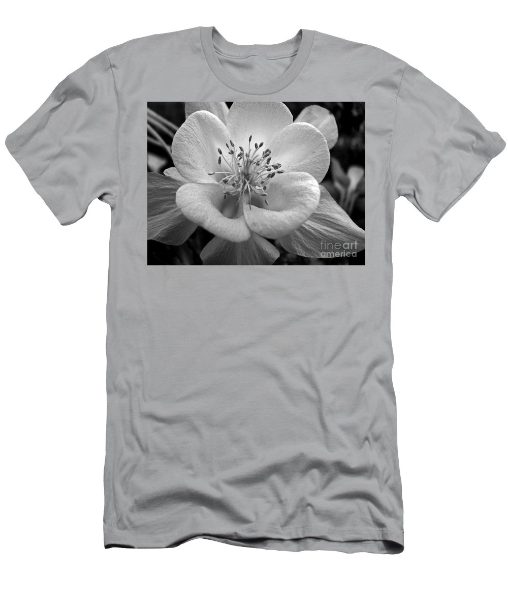 Flowers Men's T-Shirt (Athletic Fit) featuring the photograph Columbine by Amanda Barcon