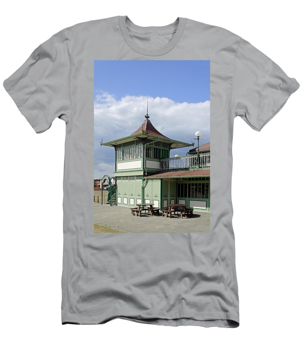 Ryde Men's T-Shirt (Athletic Fit) featuring the photograph Corner Detail Of The Pavilion - Ryde by Rod Johnson